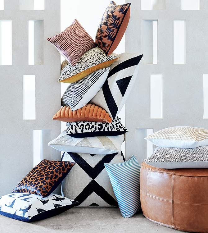 Modern Throw Pillows Poufs