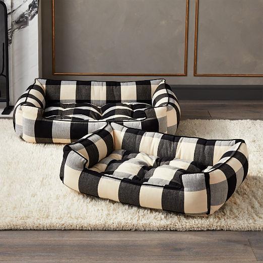 Black and White Sleeper Lounge Large Dog Bed