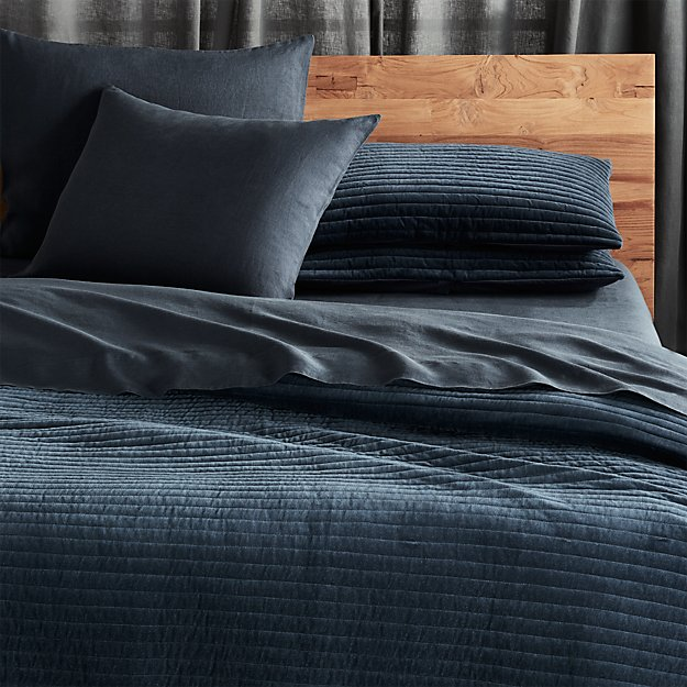 channelednvyvelqltfqshs18 - Navy Bedding