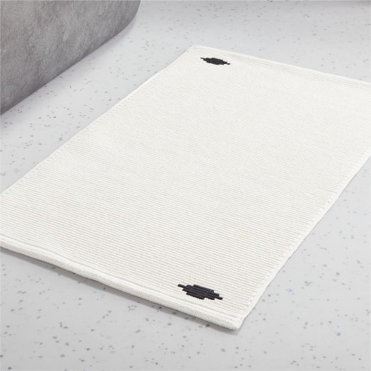 Diamond White/Black Bath Mat