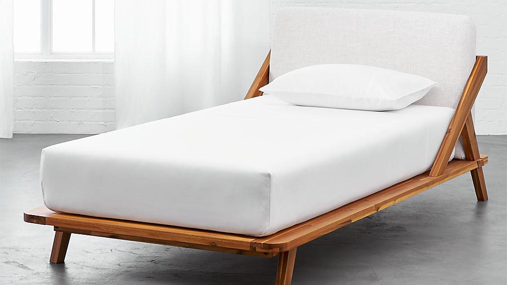 drommen wooden bed | CB2