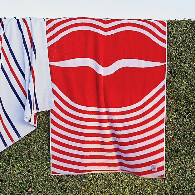 Did Fieldcrest Towels Go Out Of Business: Red Lips Beach Towel + Reviews