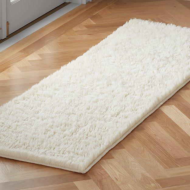 Flokati Ivory Wool Runner 2.5'x8' - Image 1 of 3