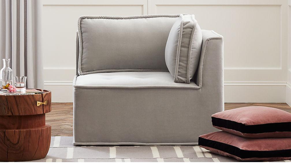 Quattro Sharkskin Light Grey Velvet Tufted Corner Chair - Image 1 of 7