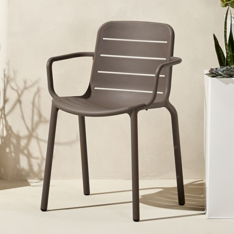 Merveilleux Outdoor Stacking Chairs | CB2