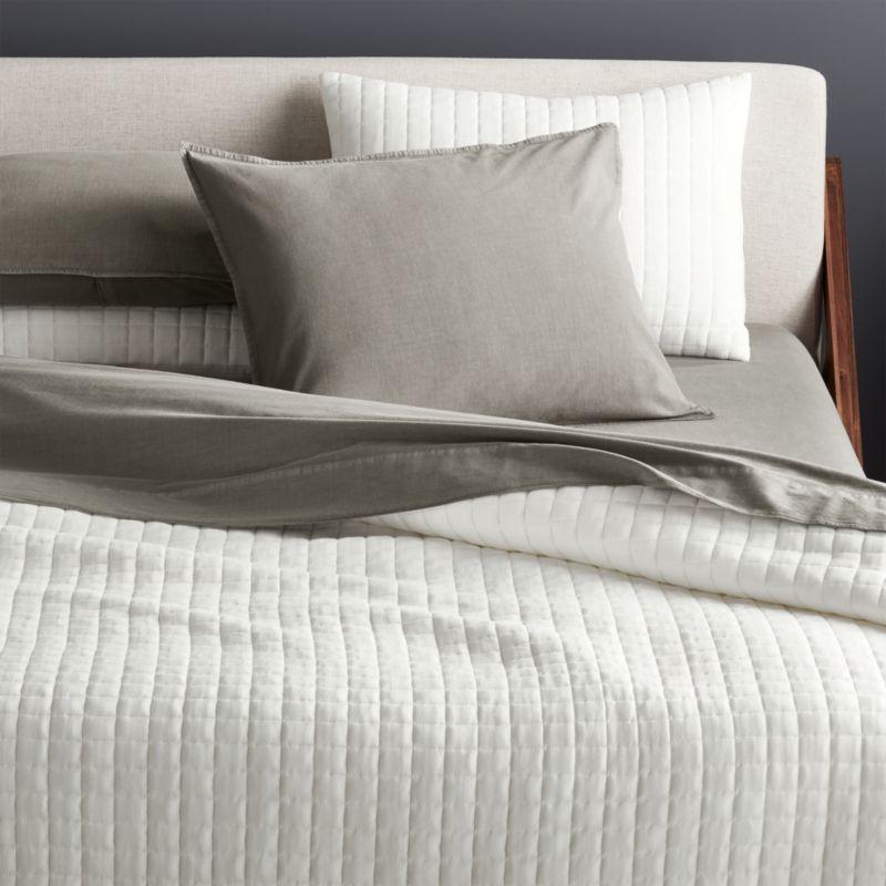 Grid White Cotton Jersey Full/Queen Quilt