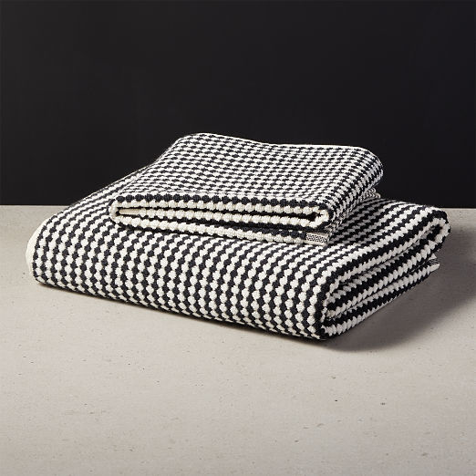 Lena Black and White Bath Towels