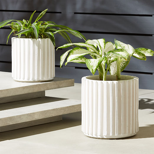 Lineal Planters