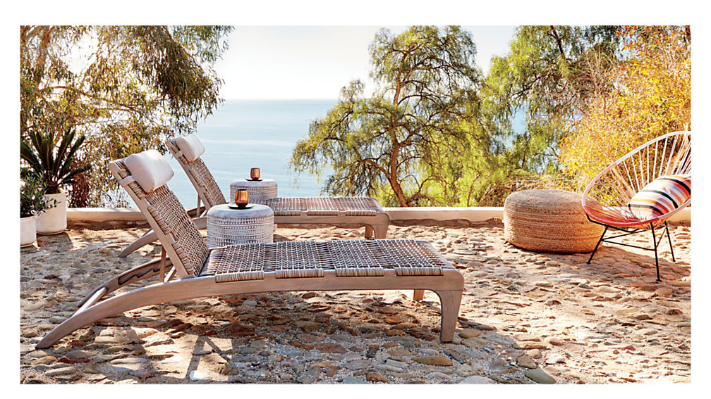 Beachy Patio Lounger