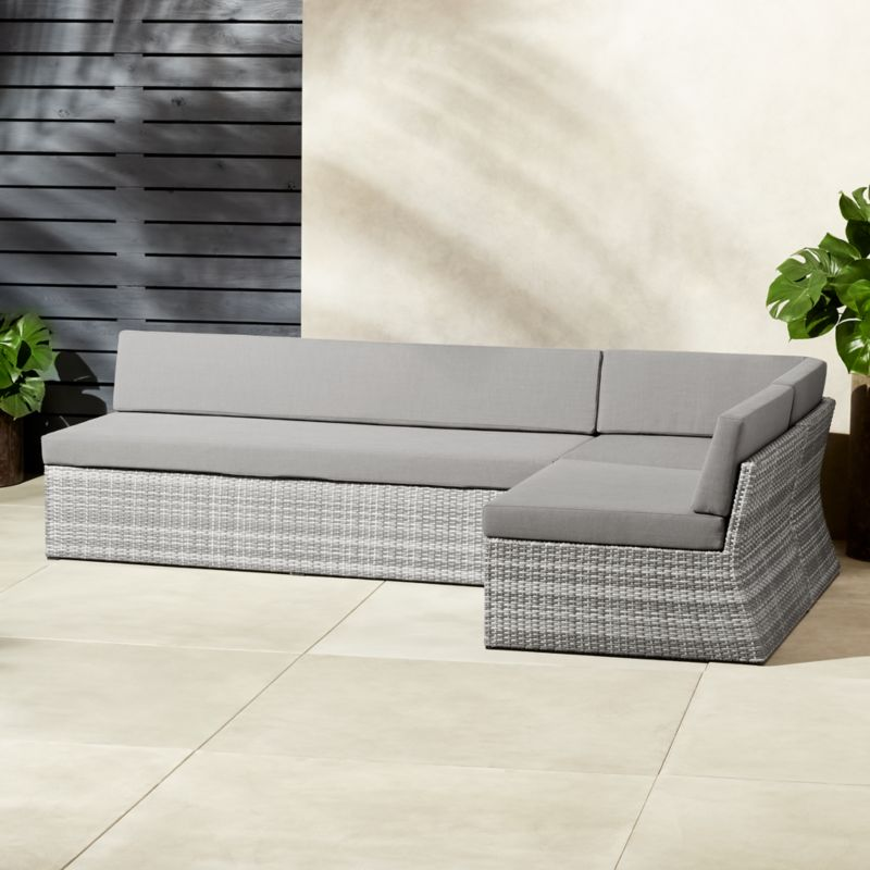Delicieux Polk Rattan Sectional