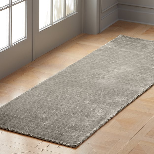Posh Silver Grey Runner 2.5'x8' - Image 1 of 3