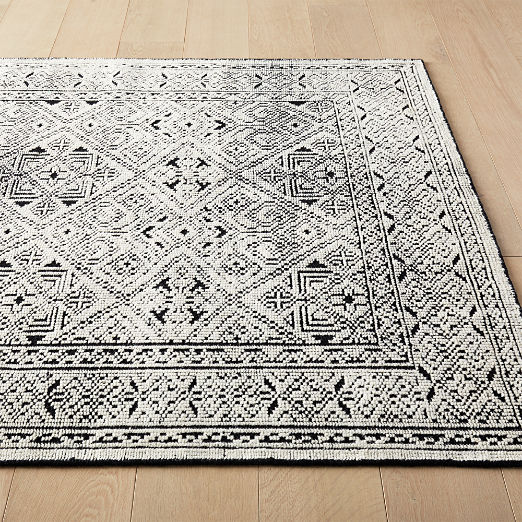 Raumont Handknotted Black Detailed Rug