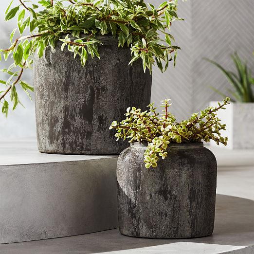 Roma Round Terracotta Planters