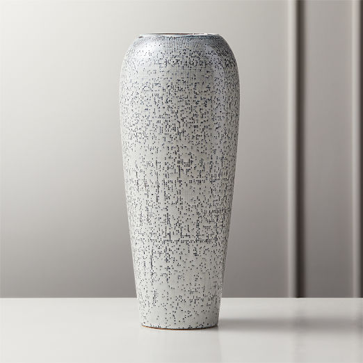 Saul Reactive Blue Vase