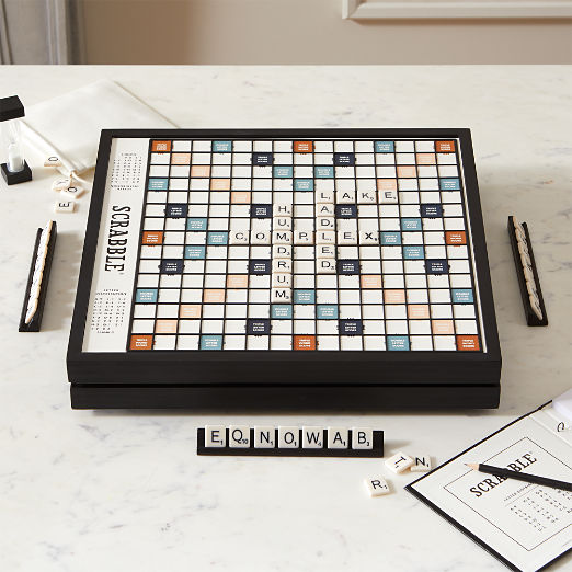 Scrabble ® Deluxe Edition