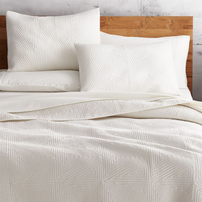 Triangle Ivory Bedding Cb2