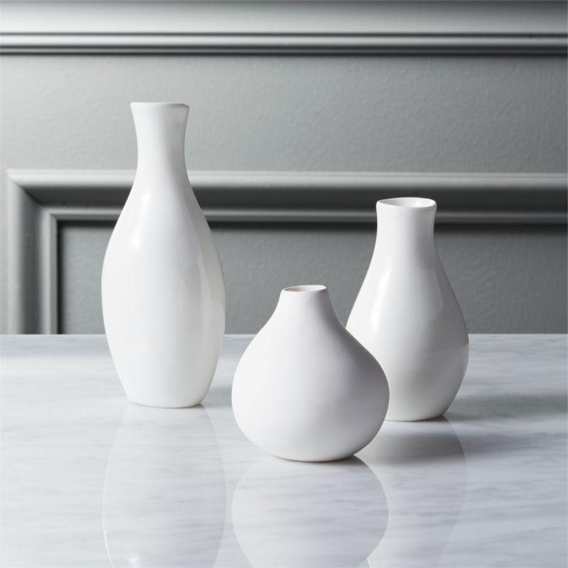 Exceptional 3 Piece Trio Vase Set