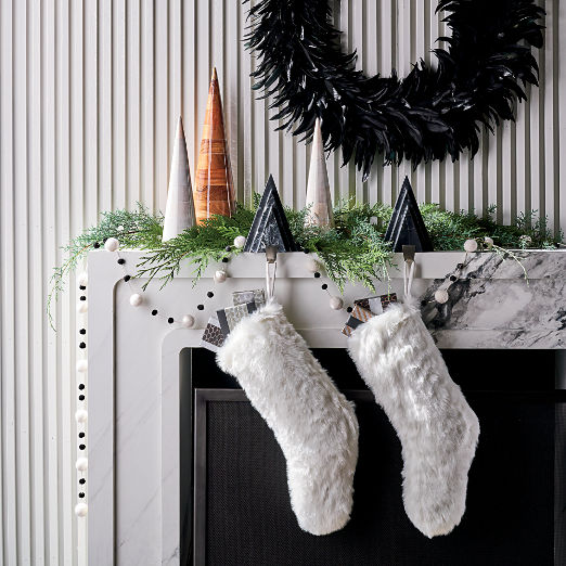 Black and White Holiday Mantle Set